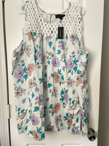 Lane Bryant Pastel Floral Crochet Sleeveless Top T