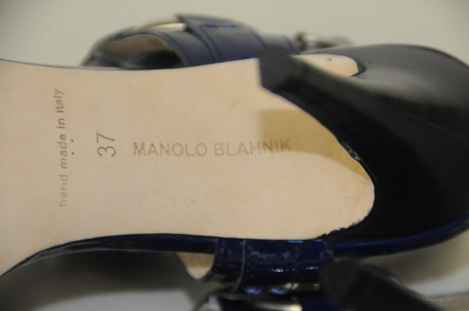 965 New New New Manolo Blahnik Navy bleu Patent Leather Strappy Sandals chaussures 37 8290e2