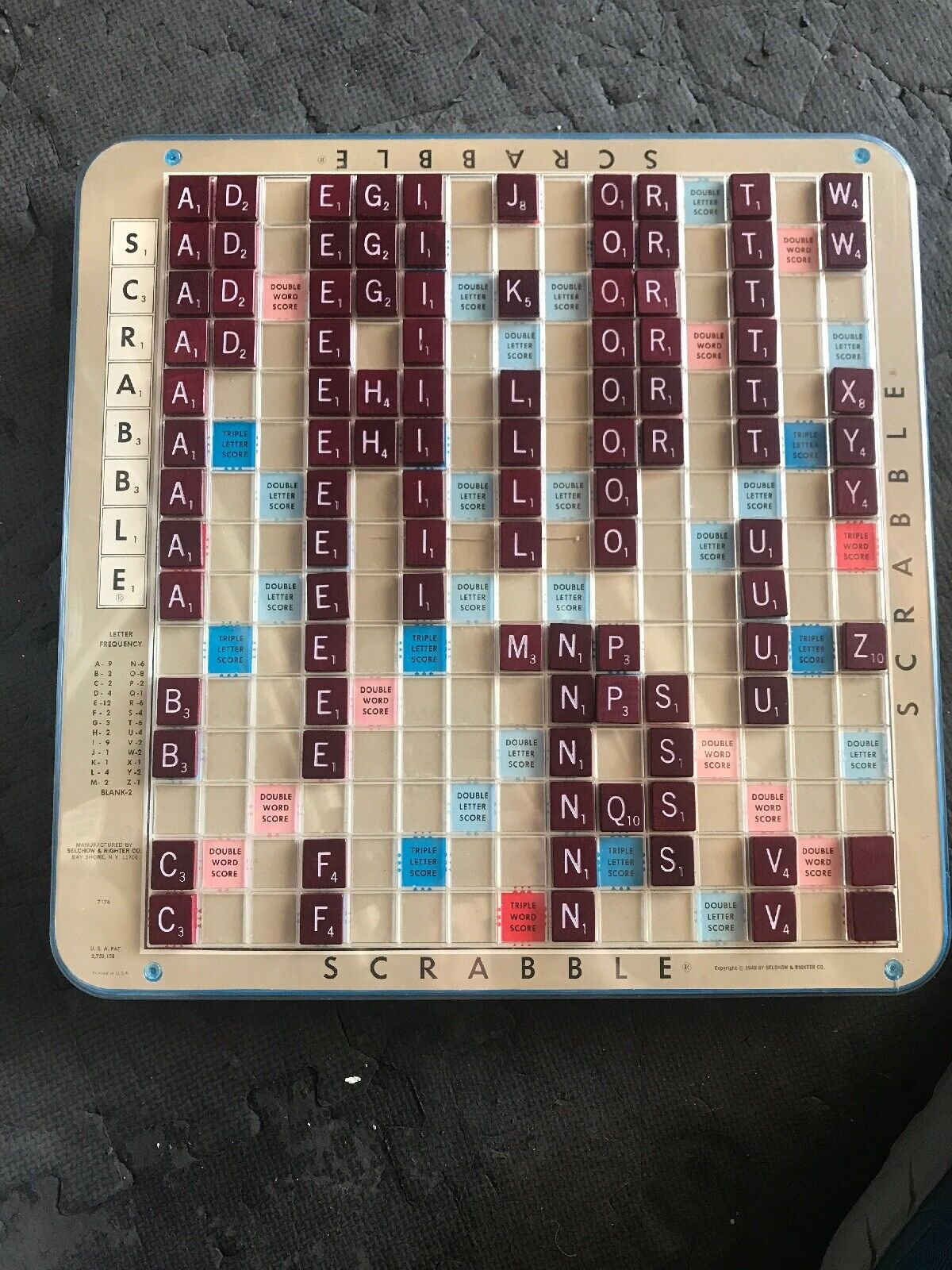 Vintage Deluxe Turntable Scrabble redating Board, Selchow Righter,1977