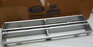 NOS-Dennis-Carpenter-reproductions-1972-Ford-pickup-trucks-grille-R-hand-insert