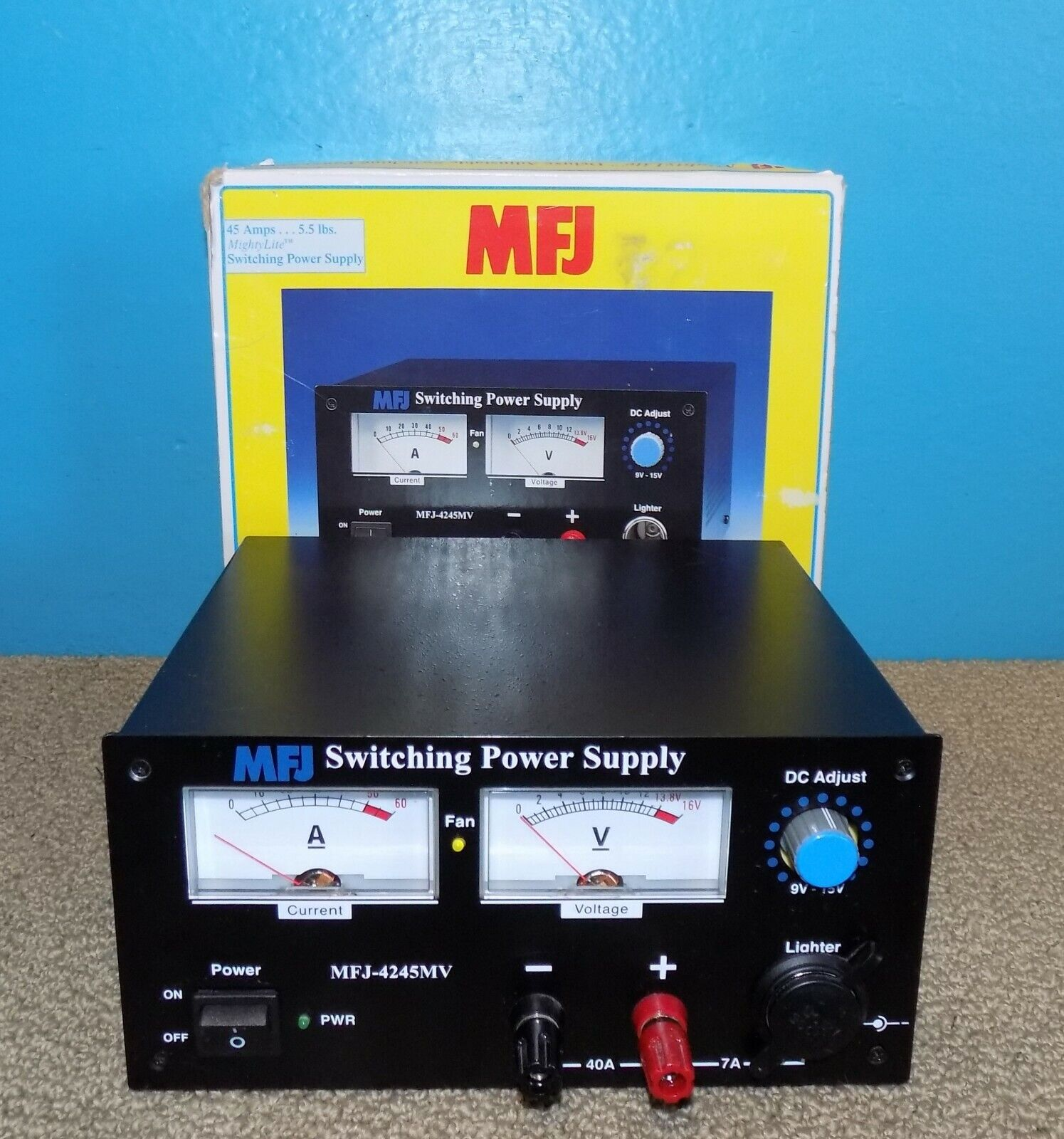 lilwing3 MFJ-4245MV MightyLite Adjustable Switching Power Supply 45Amps w/ Orig Box