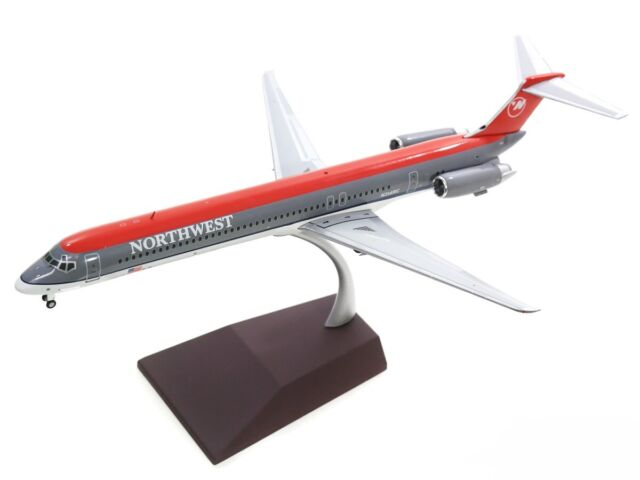 GeminiJets 1:200 Scale Delta Air Lines MD-88 Airplane Model