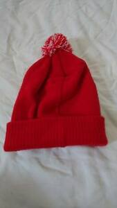 Image is loading Beechfield-b450-Adults-Snowstar-Bobble-Beanie-Hat-Red- 9483158e41f