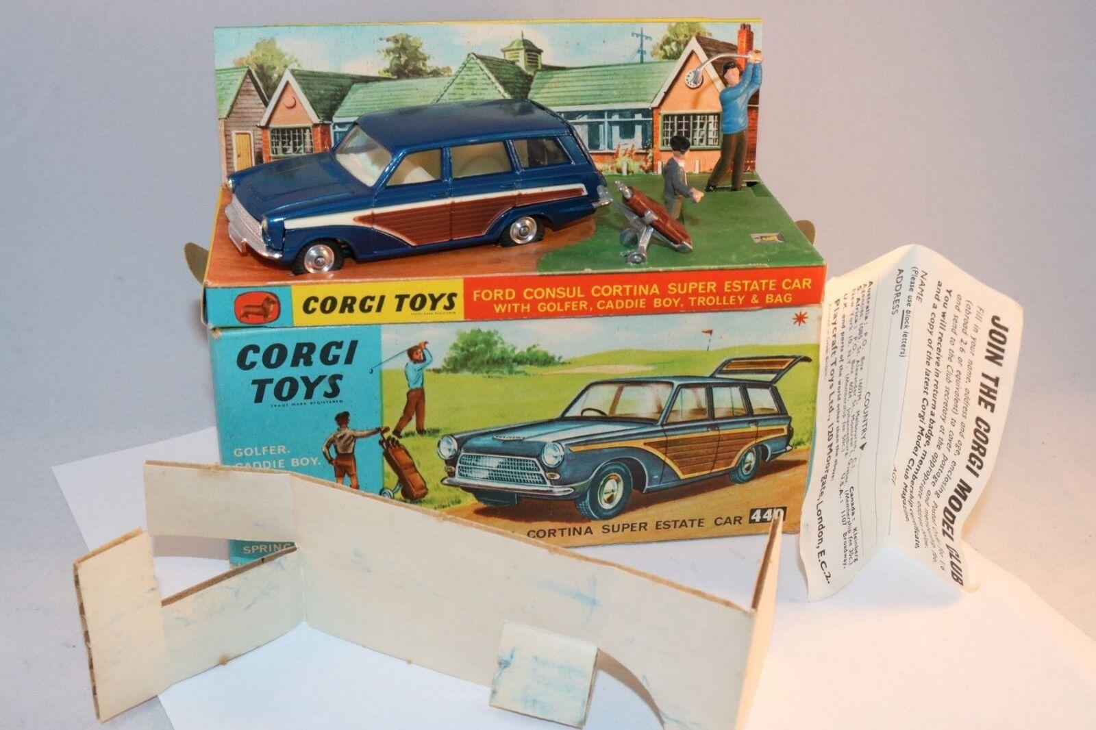 Corgi Toys 440 Ford Consul Cortina Super Estate Car mint in mint box superb