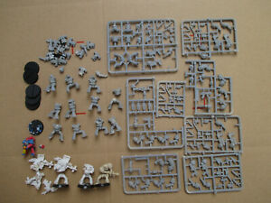 D11C13 IMPERIAL SPACE MARINE RTB01 X15 WARHAMMER 40000 W40K (1987) USED PAINTED