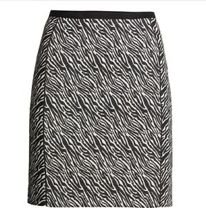 W6.2 Ladies Grey Black White Zip Jacquard Skirt Work Size 10 12