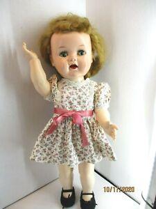 Vintage-1950-039-s-Ideal-Saucy-Walker-Ideal-16-034-plus-Terri-Lee-dress-W16-on-head
