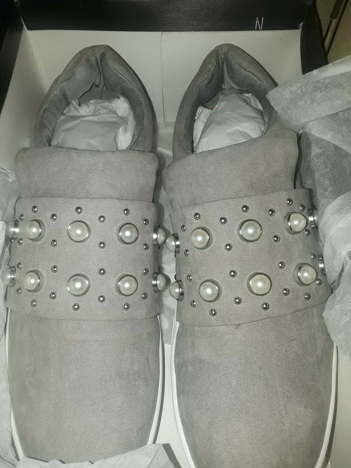 Steve Madden Grey Pearl Embellished Slip on Sneakers Womens size 11 NEW