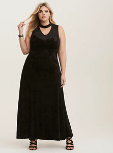 TORRID-Special-Occasion-Black-Velvet-Cutout-Neck-Gown-Dress-SZ-3-NWT-22-24