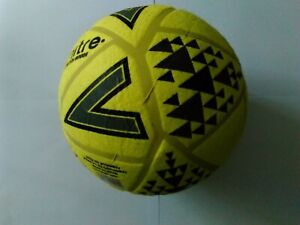 Mitre-Ultimatch-Indoor-Football-Size-5-Yellow-Foot-Ball-Five-Six-A-Size-Training