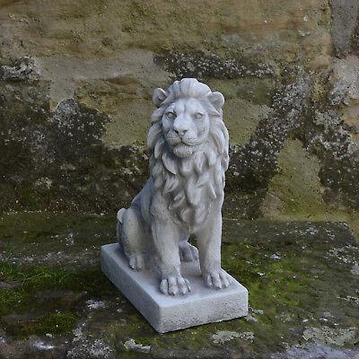 Massiver Stein Löwe groß liegend Torwächter Gartendeko aus Steinguss frostfest