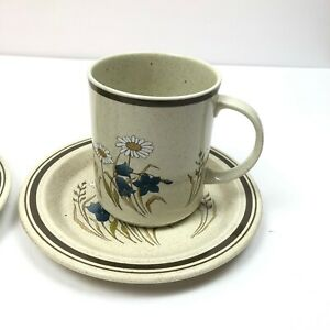2-Royal-Doulton-Mugs-Cups-Hill-Top-LS1025-Pattern-Lambethware-Made-In-England
