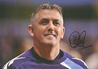 10 x 8 inch photo featuring & personally signed by Owen Coyle when at  Bolton W.