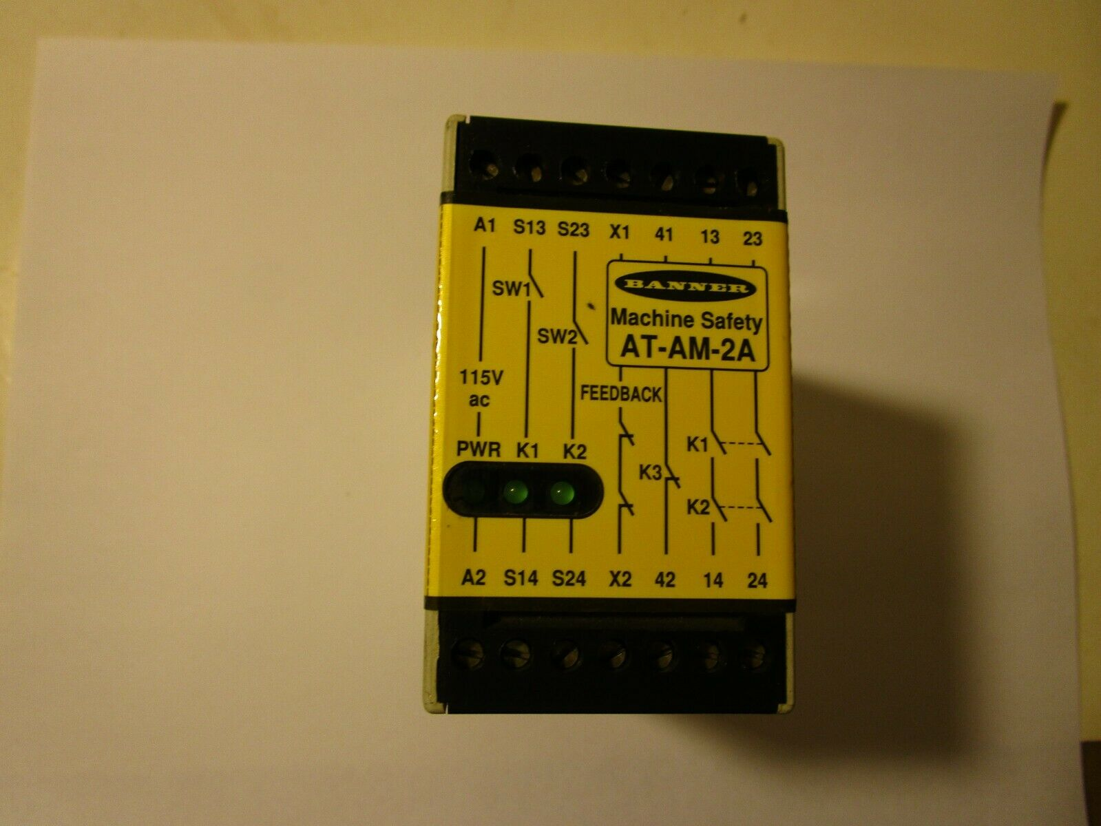 115VAC 100mA Banner AT-AM-2A Machine Safety Relay Module IP20