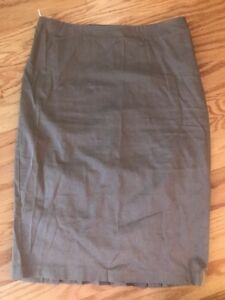 14183f4ed4 Benetton Sisley Ladies Skirt Tan Pencil Skirt Made in Italy size 40 ...