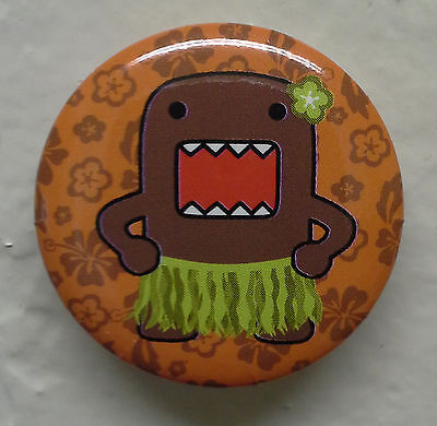"""BRAND NEW Hula Skirt Domo kun 1.25"""" Button Pin ~ Officially Licensed"""