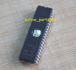 2 PCS M27C4002-10F1 M27C4002 DIP-40 EPROMs ST NEW