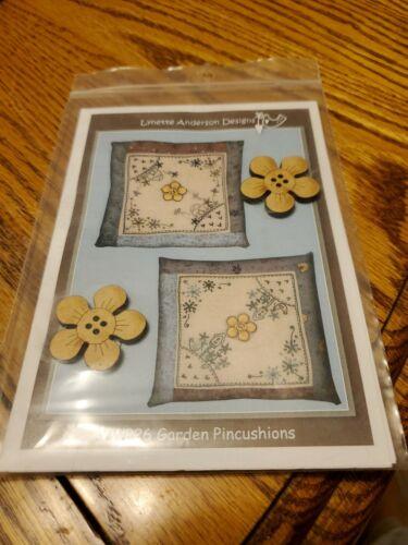 Lynette Anderson Designs YWP26 Garden Pincushions