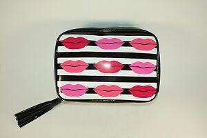 MACYS-Black-Patent-Cosmetic-Makeup-Bag-Pink-Red-KISSES-Full-Zipper-with-Tassel