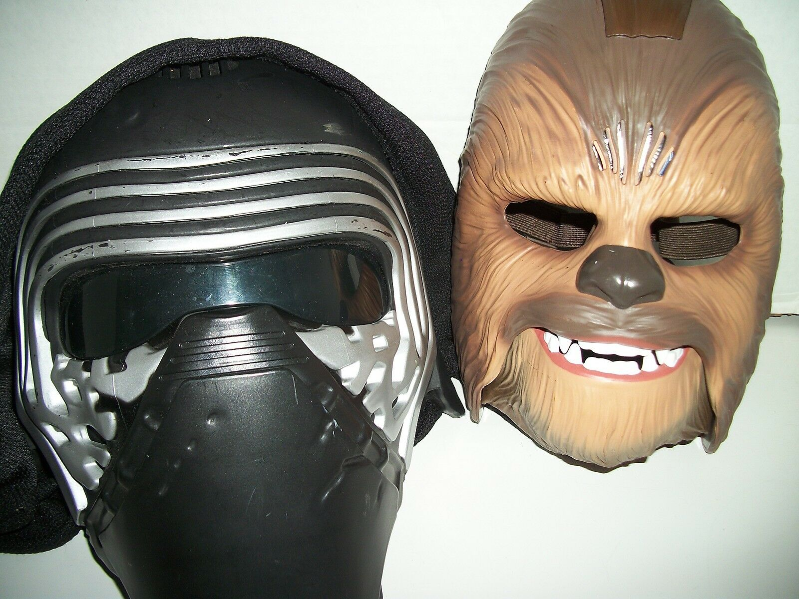 Electronic Star Wars Chewbacca & Kylo Ren Masks with Sound