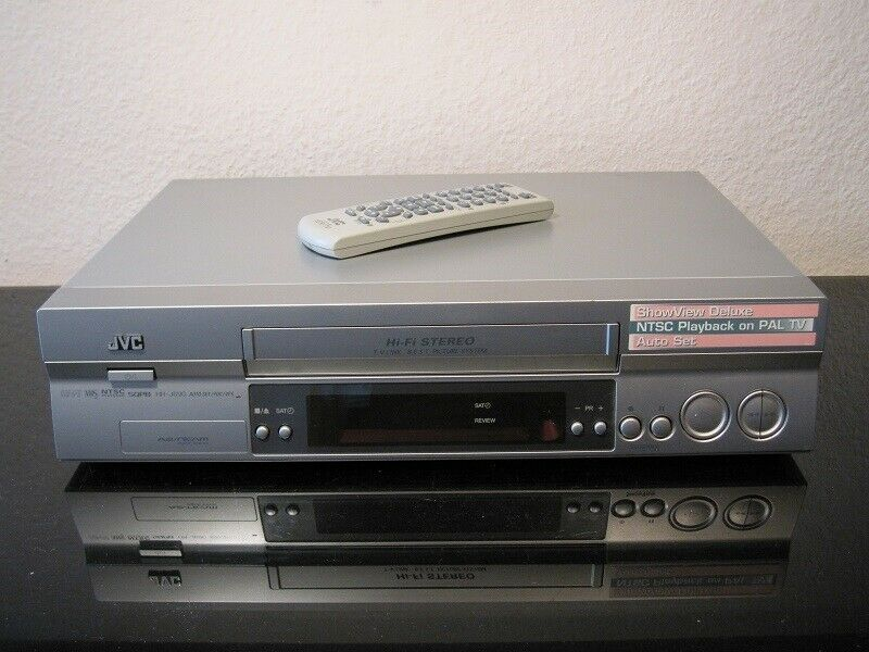VHS videomaskine, JVC, HR-J690