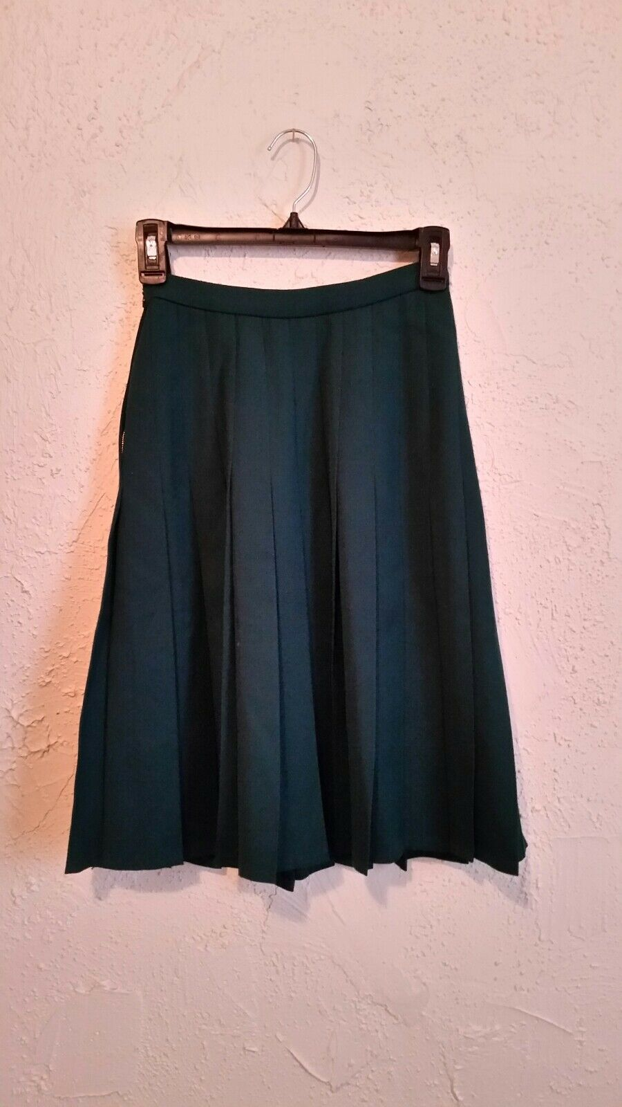 Valentino Boutique vintage hunter green pleated wool skirt EUC!! size 4