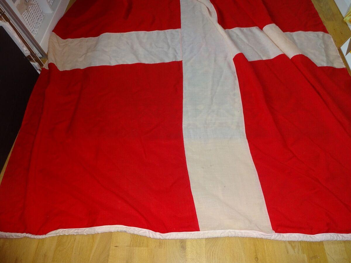 Højmoderne Dannebrogsflag – dba.dk – Køb og Salg af Nyt og Brugt TE-83