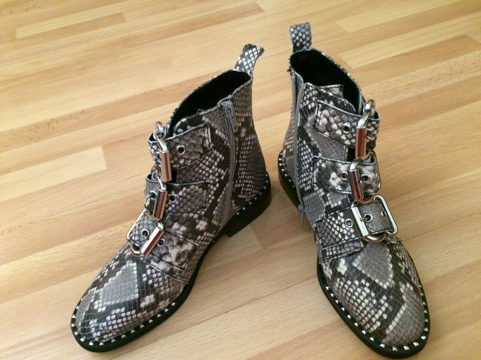 New Steve Madden Recharge Natural Snake Women's Bootie Size 7.5  Ship from CA