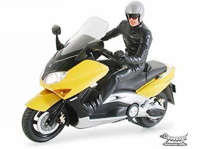 Tamiya #24256 Yamaha TMAX w/Rider Figure 1/24 Model Kit SDA