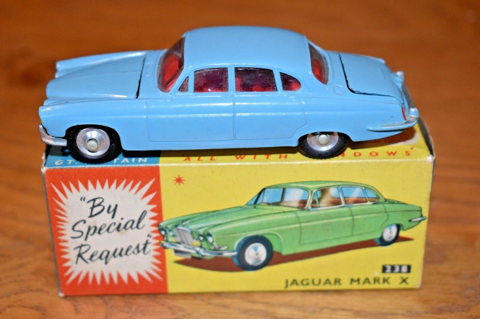 Corgi Toys 238 Jaguar Mark X; Original Box
