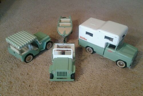 VINTAGE 1960'S GREEN TONKA JEEP SURREY RUNABOUT BOAT TRAILER CAMPER VACATION