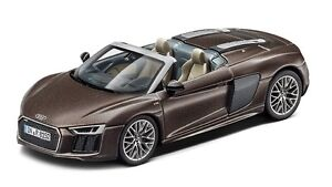 ORIGINALE-Audi-r8-SPYDER-modello-di-auto-1-43-Argus-MARRONE-OPACA-modello-r8-Spyder-marrone