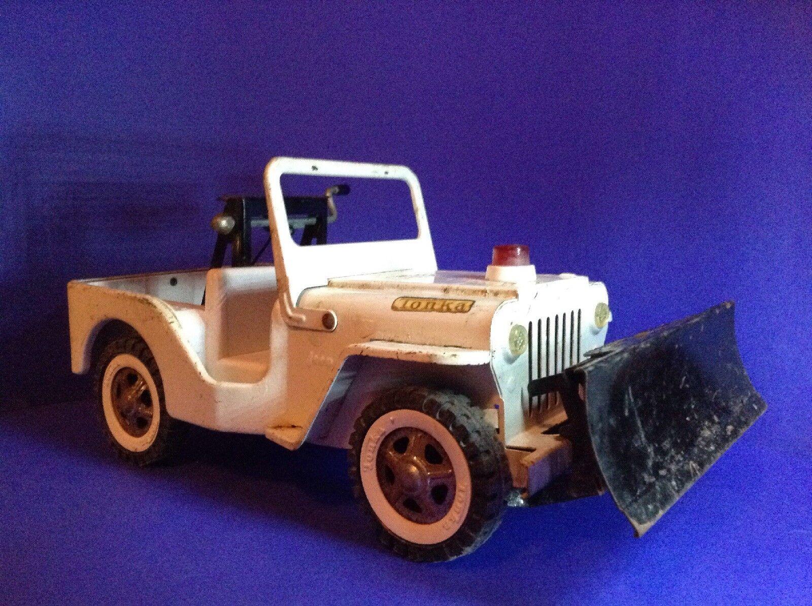 Tonka Jahr AA Road Service Jeep