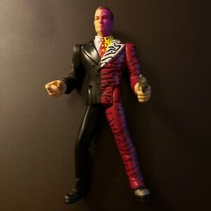 Vintage-1995-Kenner-Two-Face-Batman-Villain-DC-Comics