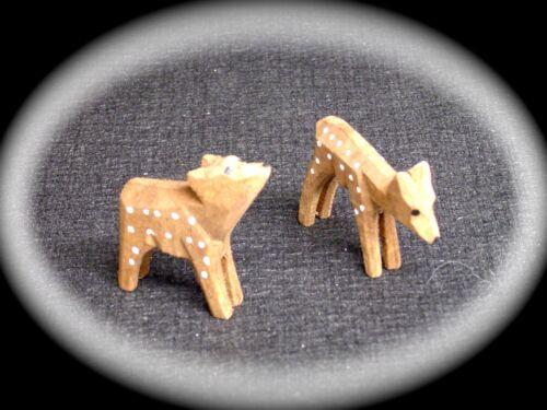 2 sculptée chevreuils jusqu/'à 4 cm en Bois Décoration Bricolage pyramides DECO 70113