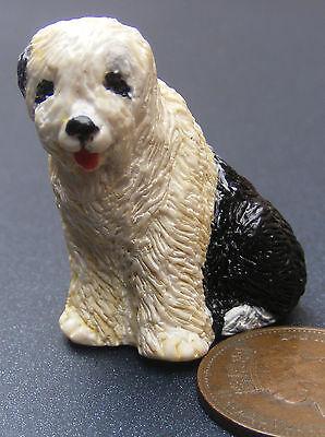 1:12 Scala Seduta Old English Pecore Cane Doll House Miniatura Animale Domestico Accessorio P-mostra Il Titolo Originale