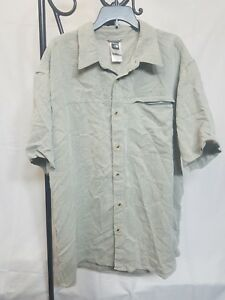 The-North-Face-Button-Up-Short-Sleeve-Shirt-Men-039-s-Large-zip-pocket