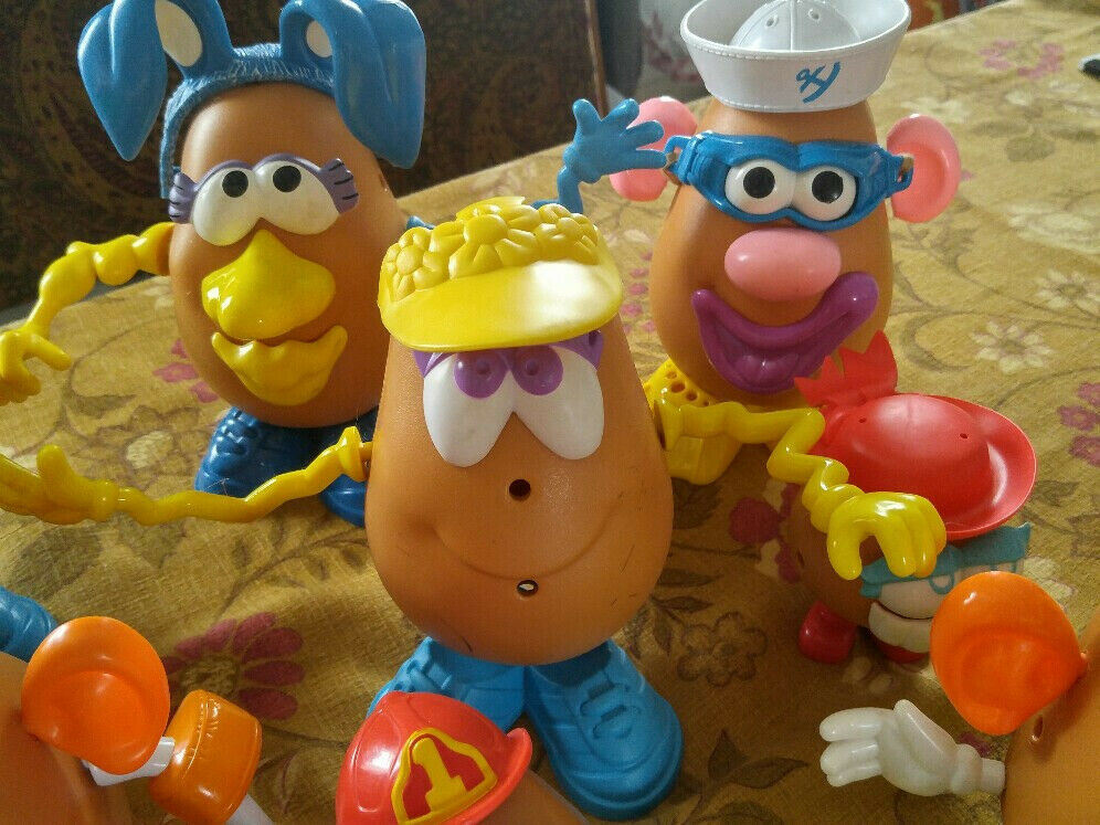 An Army Army Army of Vintage Mr & Mrs Potato Heads, clean, classic & collectible... fa0dd7