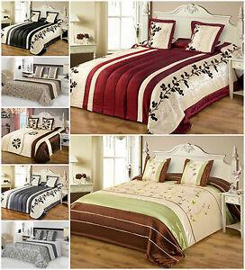 tagesdecke mit kissenbez ge satin 240x260 2x 45x45. Black Bedroom Furniture Sets. Home Design Ideas