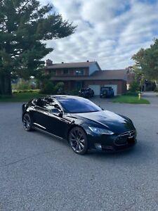 2015 Tesla Model S MODEL S 85D