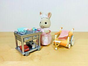 Sylvanian-Families-Country-Nurse-Set-Kate-Periwinkle-Milk-Rabbit-Mother