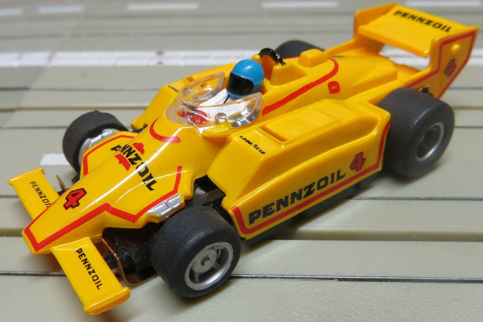 Für H0 Slotcar Modellbahn Modellbahn Modellbahn ---  Indy Pennzoil mit Tyco Motor 2f8170