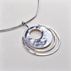 Silpada-Necklace-925-Silver-Hammered-Circles-3-Ring-Brutalist-Omega-Chain-N1329
