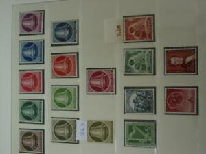 Sammlung-Berlin-1950-90-postfrisch-komplett-mit-gepr-in-2-Lindner-T-vs231