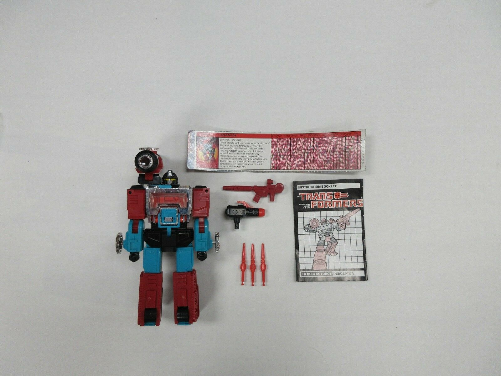 G1 TRANSFORMERS PERCEPTOR 100% COMPLETE ROBOT W  TECH SPECS INSTRUCTIONS