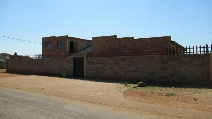 5 Bedroom with 3 Bathroom House For Sale in Ennerdale Gauteng