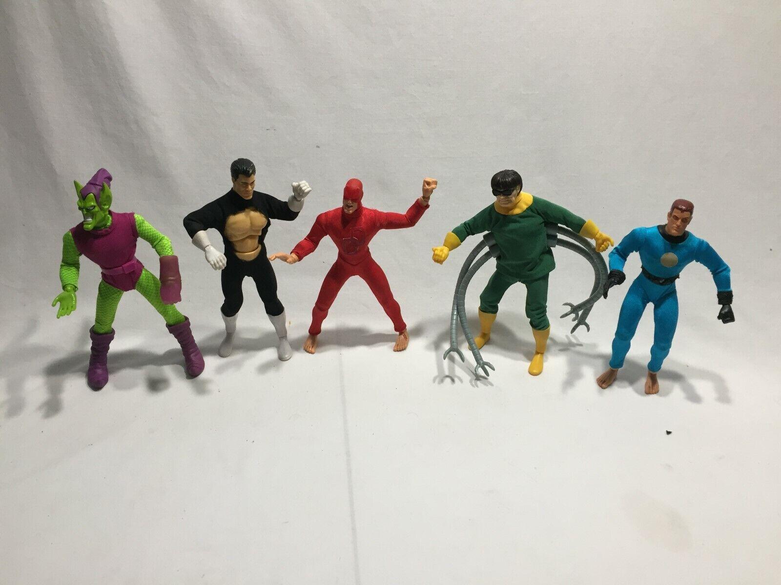 Marvel action figures 9  Dolls Lot of 5 (BATTLE DAMAGED) Mego Style LOT A