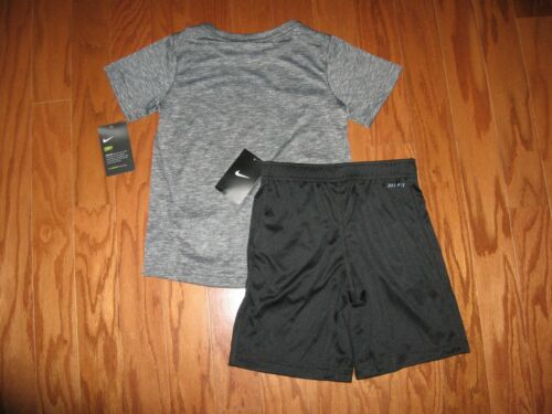 Nike 2 Piece T-Shirt /& Shorts Outfit  Set  Boys Size  4// 5// 6// 7 NWT
