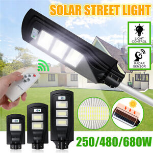 150//300//450W LED Solar Straßenlaterne Straßenbeleuchtung Lampe Bewegungsmelder