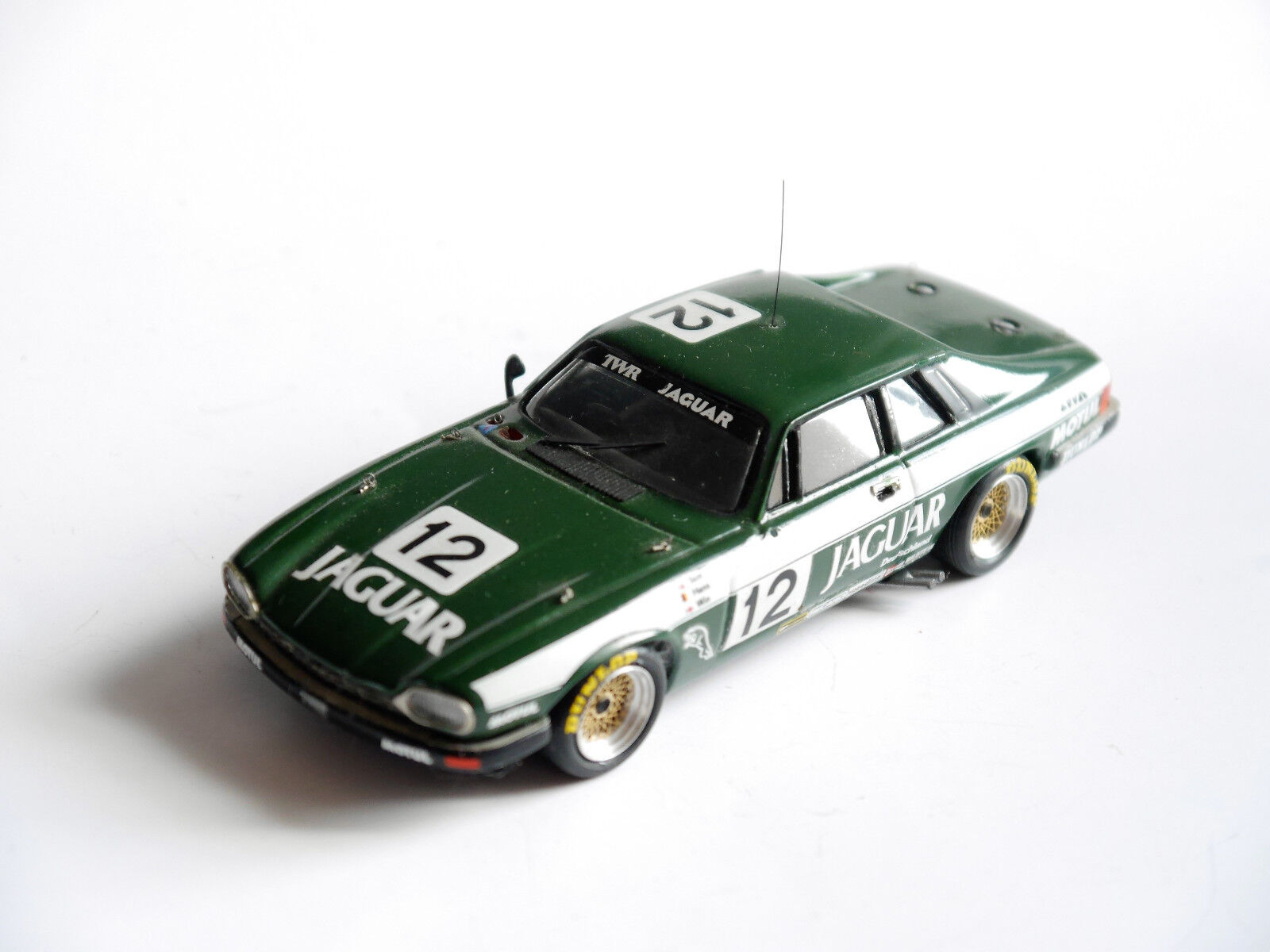 Cet JAGUAR XJS voiture de course racing car  12, à la main handmade G ROBUSTELLI 1 43